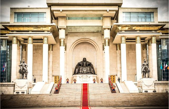 Ghenghis Khans statue in front of Mongolia's Presidential Palace
