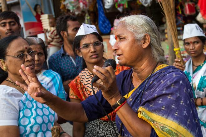 Medha Patkar campaigning for the Aam Aadmi Party in Mumba
