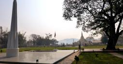 Panglong monument with Shwedagon replica in background